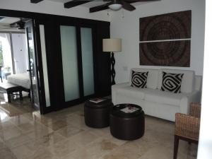 Junior Suite: Living Area