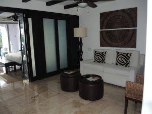 Junior Suite: Living Area