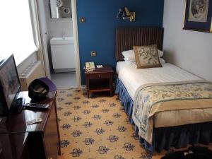 Single Room - London Lodge Hotel