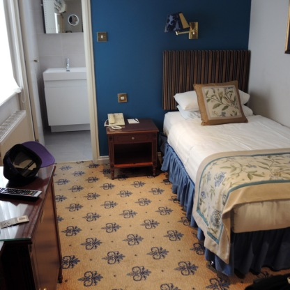 Single Room - London Lodge Hotel