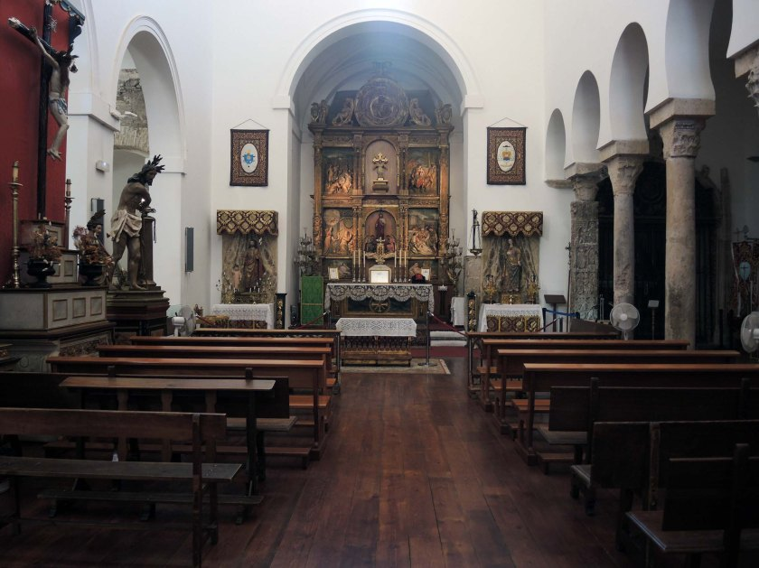 Inside Iglesia del Salvador (Candy Knight's photo)