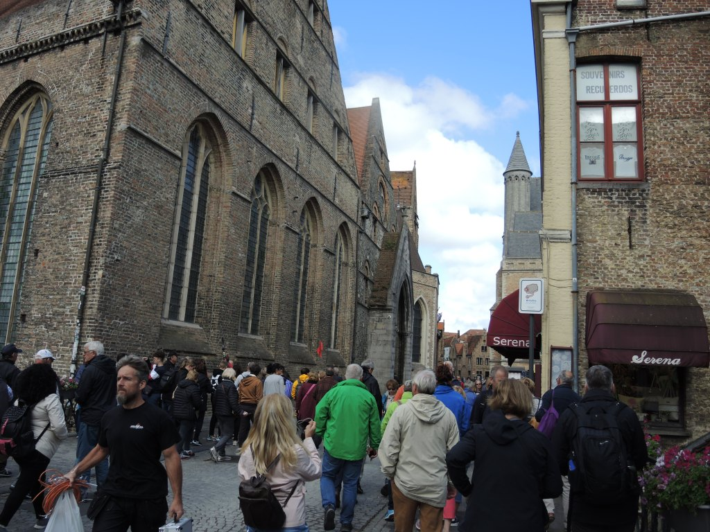 Bruges tourists (Candy Knight's photo)