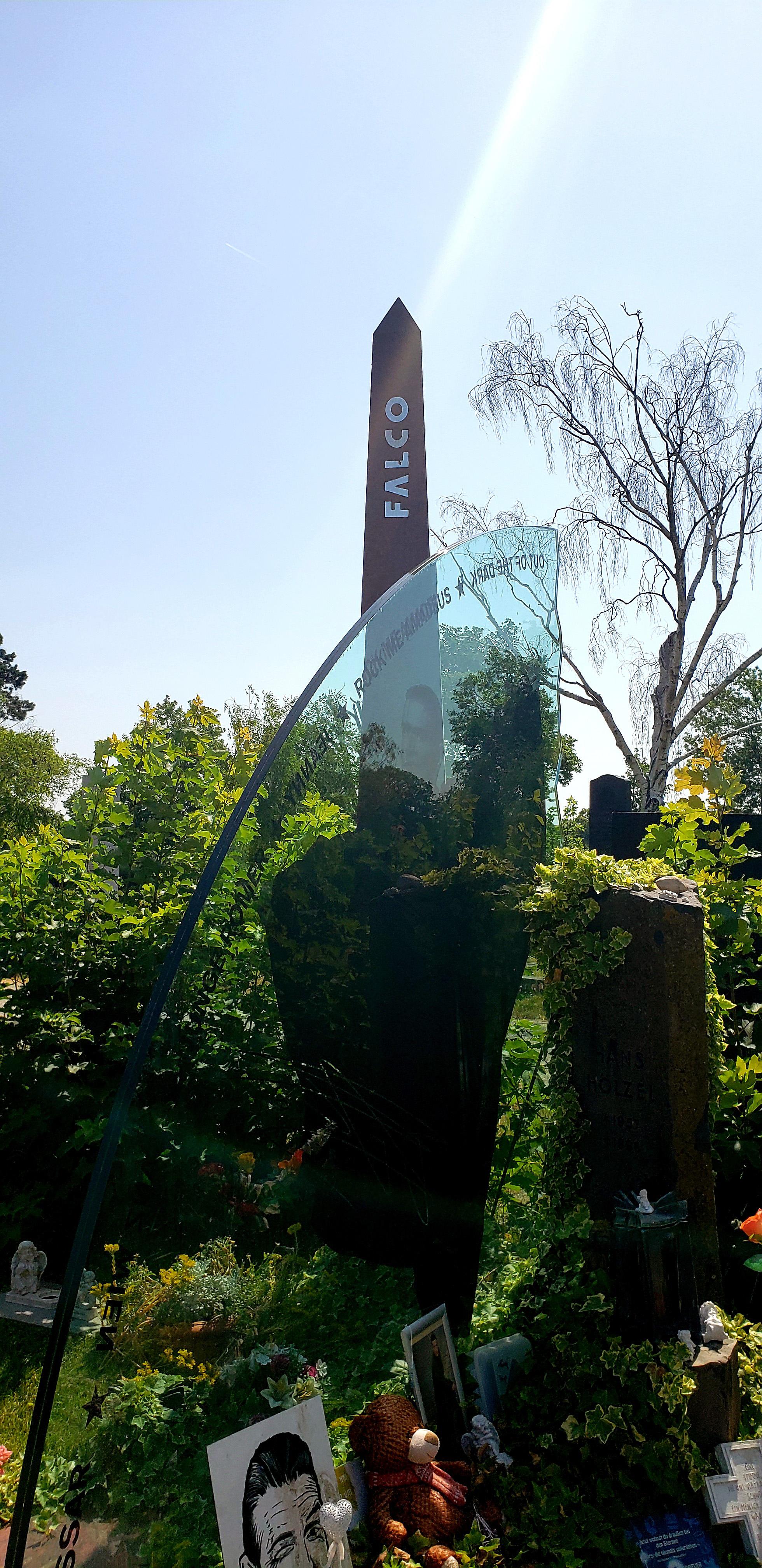Falco's grave at Wiener Zentralfriedhof